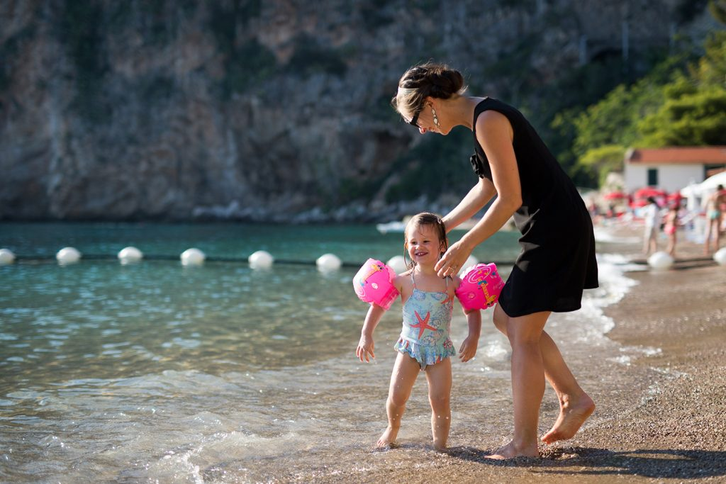 seance-photo-lifestyle-plage-mere-fille-06