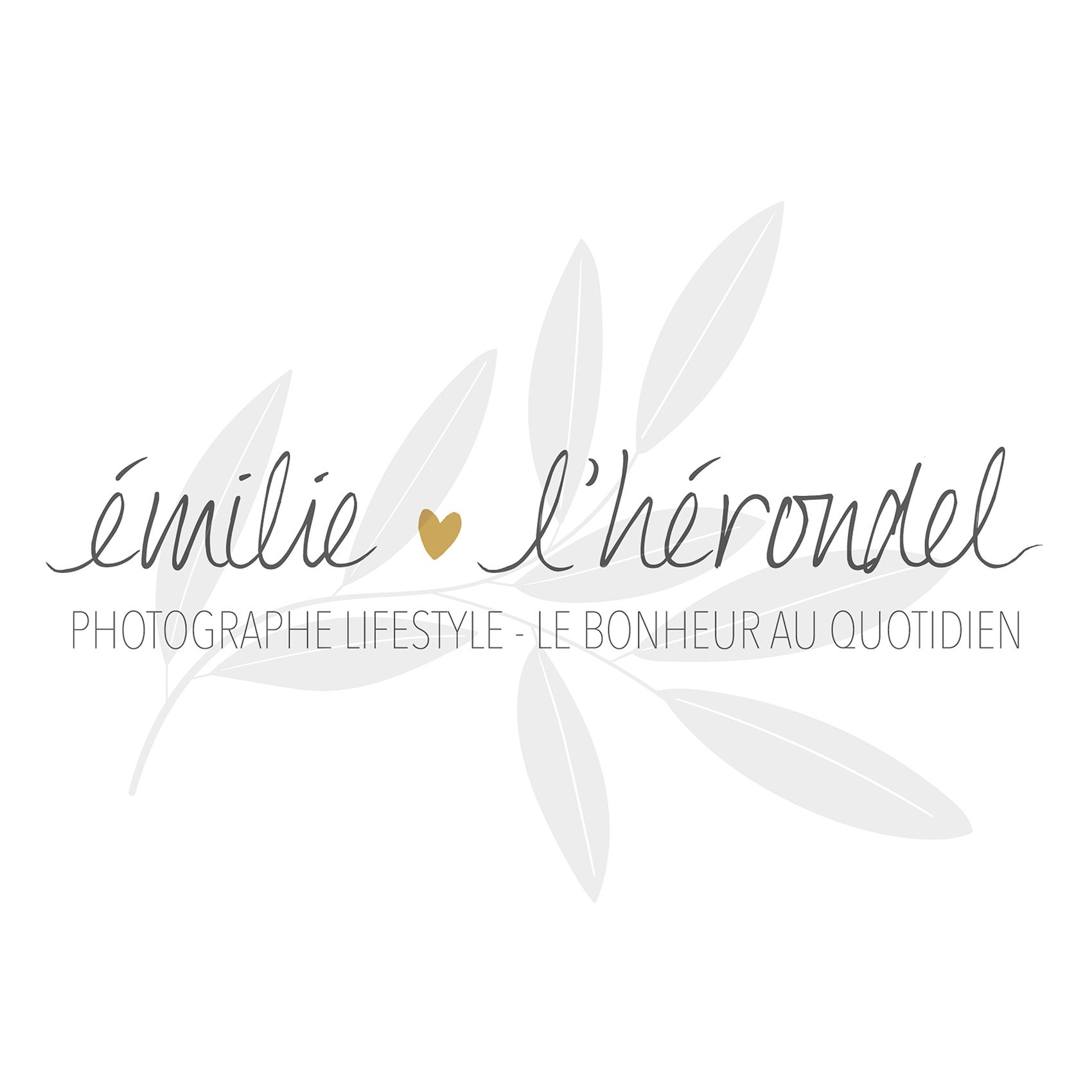 Logo Emilie L'Hérondel Photographe Lifestyle Du bonheur au quotidien